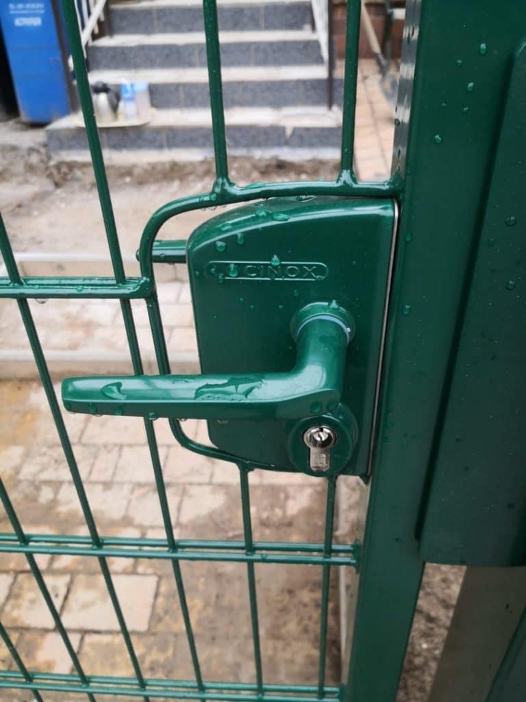 Grün - Stahl